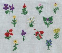 "3/4"" Teeny Flowers 3 Mini Designs"