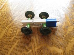 Almost Unschoolers: Clothespin Button Racer