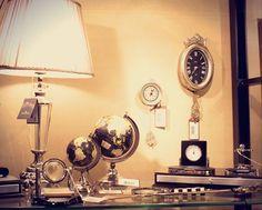 ESPECIAL DIA DOS PAIS Um ítem de decoração para dar uma renovada na casa é sempre bem vindo, mais ainda se for um globo tao lindo que nem esse.  #deco #decoraçao 3home #adoro #adoropresentes #lojavirtual #lojaonline #decoracao #globos #luminarias #globe #globes #escritório Kitchen Appliances, Lighting, Home Decor, Dads, Gifts, Globes, Mesas, Diy Kitchen Appliances, Home Appliances