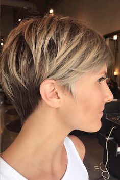 100 Mind-Blowing Short Hairstyles for Fine Hair - Brondebalayage Pixie With V-Cut Nape - Long Pixie Hairstyles, Thin Hair Haircuts, Short Pixie Haircuts, Short Hairstyles For Women, Hairstyles Haircuts, Layered Hairstyles, Short Thin Hair, Short Hair Cuts For Women, Short Hair Long Fringe