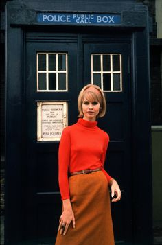 Almost looks like my Velma cosplay idea. With a Police Box as a backdrop! Now I'm thinking of a Scooby/Doctor Who mashup.
