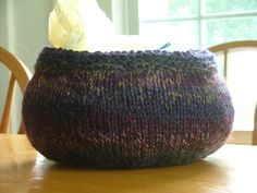 Knitting bowl. No pattern.