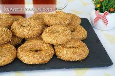 Gevrek Kandil Simidi Tarifi Bagel, Doughnut, Tart, Pizza, Cookies, Breakfast, Desserts, Recipes, Food
