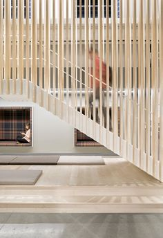 Simple Stockholm Apartment Showcases Building's Original Frame Apartment Showcase, Apartment Design, Interior Work, Interior Stairs, Stairs Architecture, Interior Architecture, Commercial Stairs, Stockholm Apartment, Stair Handrail