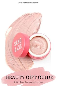 Need gift ideas for the beatuy lover? I've got some ideas for makeup, skincare, nails, hair, and more!   #holiday2020 #giftguide2020 #beauty #makeup #skincare Holiday Gift Guide, Holiday Gifts, Christmas Gifts, Beauty Products Gifts, Gift Guide For Him, In Cosmetics, Beauty Makeup, Finding Yourself, Skincare