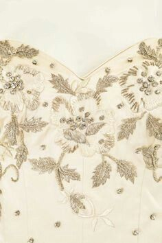 Embroidery image of bodice