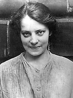 In 1920, Anna Anderson turned up at a mental hospital in Germany as a Jane Doe. She refused to reveal her identity at first, but two years later she began claiming to be the Grand Duchess Anastasia Romanov, who was believed (though not by all) to have been executed with the rest of the Russian Royal family four years earlier. Anderson was the most well known woman claiming to be Anastasia, and she continued to uphold the claim until her death. | via: Musetouch Visual Arts Magazine on…