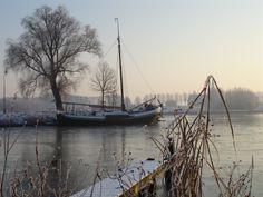Winter in the harbour of Batenburg