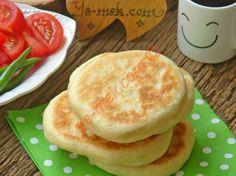 Pita Ekmeği nasıl yapılır? Kolayca yapacağınız Pita Ekmeği tarifini adım adım RESİMLİ olarak anlattık. Eminiz ki Pita Ekmeği tarifimizi yaptığınız da, siz de ço