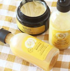 The banana haircare range from The Body Shop are my latest hair related purchases. The Body Shop, Body Shop Tea Tree, Body Shop At Home, Natural Hair Treatments, Skin Treatments, Natural Make Up, Natural Skin Care, Body Shop Skincare, Body Shop Products