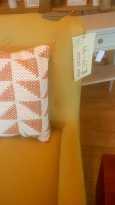 Lounge, Throw Pillows, Bed, Home, Airport Lounge, Drawing Rooms, Toss Pillows, Cushions, Stream Bed