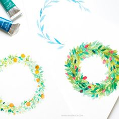Learn three different ways of painting a floral watercolor wreath in this tutorial.There's one for everyone!