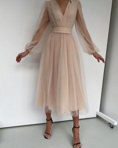 Fashion Tips Outfits .Fashion Tips Outfits Mode Outfits, Dress Outfits, Fashion Dresses, Dress Up, V Neck Dress, Dress Long, Hijab Fashion, Dress Shoes, Shoes Heels