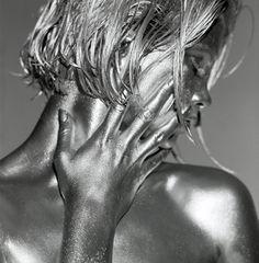 design-dautore.com: Le sculture umane di Guido Argentini