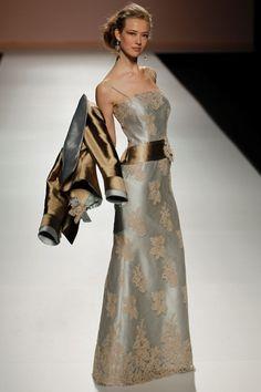 Traje chaqueta de madrina largo de Teresa Ripoll modelo 3182 by Teresa Ripoll | Boutique Clara