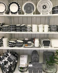 "333 tykkäystä, 9 kommenttia - @frokenfunkis Instagramissa: "" #marimekko #frökenfunkis #rumsgran #lesacenpapier"" Marimekko, Vintage Enamelware, Interior Decorating, Interior Design, Living Furniture, Kitchen Essentials, Kitchen Items, First Home, Scandinavian Design"