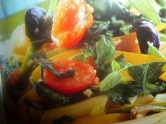 pasta con olive peperoni e pomodorini