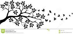 Silhouette noire d arbre avec le vol de papillon