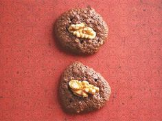 A gluten free Chocolate Cookie ... Only 4 ingredients!