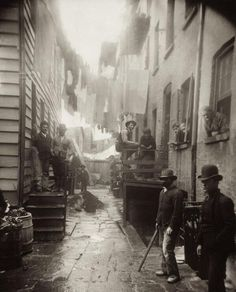 """""""Bandit's Roost"""" - The most dangerous street in New York City in 1888"""