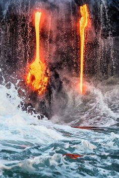 Experience the amazing Hawaii Volcanoes National Park! Explore three volcanic craters during one great trip on a full-day excursion on the Big Island.