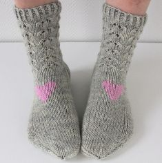 Ravelry: I heart You pattern by Niina Laitinen Crochet Socks, Knit Mittens, Knitted Shawls, Knitting Socks, Baby Knitting, Knit Crochet, Wool Socks, Knitting Daily, Knitting Videos