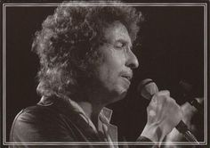 Foto: #9 of a 9 bonus postcards set.  Bob Dylan 1975-1981 Rolling Thunder and The Gospel Years.  Photo by Paul Till  Highway 61 Entertainment.