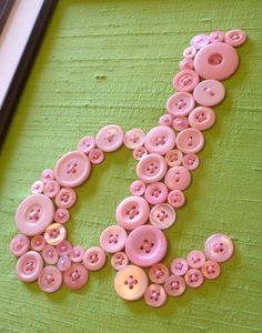 buttons how cute, could be a great bday gift for a little girl! wanna make this for kate? lol! i'm repinning this b/c these colors are perfect for her room! thanks! :)