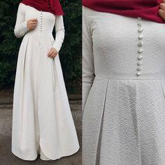 Abaya Fashion, Modest Fashion, Modest Outfits, Casual Dresses, Fashion Dresses, Muslimah Wedding Dress, Hijab Style Dress, Hijab Outfit, Indian Designer Outfits