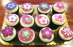 Vera Bradley inspired cupcake toppers by 2tarts Bakery.   New Braunfels, TX   www.2tarts.com