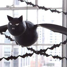 DIY Flying Bat Piñata
