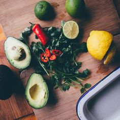 Flat-lay ingredients from the Lemony Guacamole recipe. Perfect for dipping and sharing! Guacamole Recipe, Avocado Recipes, Smashed Avocado, Simple Pleasures, Flat Lay, A Table, Dips, Yummy Food, Eat