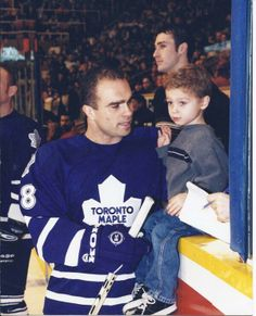 Tie Domi with tiny son Max during a Leafs pre-game Montreal Canadiens, Max Domi, Steven Stamkos, Maple Leafs Hockey, Hockey Pictures, Arizona Coyotes, Tim Hortons, Of Montreal, Great Pic