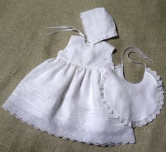 Baby girl baptism dress bonnet bib girl christening by Graccia Girls Baptism Dress, Baby Girl Baptism, Christening Gowns Girls, Baby Christening, Toddler Summer Dresses, Toddler Outfits, Baby Embroidery, Frocks For Girls, Heirloom Sewing