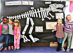 Myers' Kindergarten: The Dinosaur Museum Project: Kids Are Capable of Doing Amazing Things Dinosaur Art Projects, Dinosaur Crafts, Dinosaur Fossils, Dinosaur Party, Projects For Kids, Dinosaur Dinosaur, Dinosaurs Preschool, Dinosaur Activities, Preschool Crafts