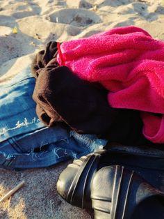 Vie mut maailman reunaan, kaukaisimmalle rannalle.  #beach #beachlife #finland #sunny #parainen Moccasins, Flats, Lifestyle, Random, Shoes, Fashion, Penny Loafers, Loafers & Slip Ons, Moda