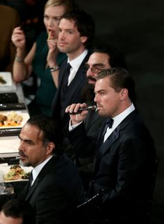 After Leonardo DiCaprio was seen vaping at the SAG Awards, we're now confronted with a new etiquette question: Is it ever socially acceptable to vape indoors? Celebrity Couples, Celebrity News, Leonardo Dicaprio Smoking, Leonardo Dicaprio 2017, Amy Poehler, Tina Fey, Sag Awards, Victoria, Kate Winslet