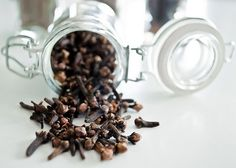 Diabetes is a very common condition nowadays. Lear how you can regulate blood sugar levels using only two ingredients: cinammon and cloves. Flower Aesthetic, Aesthetic Images, Flower Drawing Images, Regulate Blood Sugar, Perfume, Diabetic Friendly, Health And Beauty Tips, Natural Living, Beauty Skin