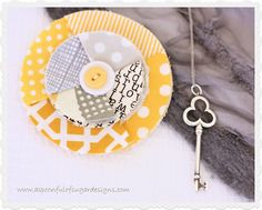 Fabric Flower   A Spoonful of Sugar  http://www.aspoonfulofsugardesigns.com/2012/07/fabric-flower.html?utm_source=feedburner_medium=feed_campaign=Feed%3A+aspoonfulofsugardesigns%2FrnqK+%28A+Spoonful+of+Sugar%29