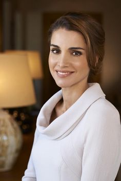 anythingandeverythingroyals:  A new official portrait of Queen Rania of Jordan