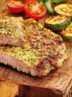 Pork steaks with herb sauce - Bistecchine di maiale gratinate alle erbette: un secondo di carne veramente appetitoso, utilissimo quando vogliamo variare il consueto menu settimanale.