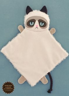 Grumpy Cat kitty blankee por PetitiPanda en Etsy, and like OMG! get some yourself some pawtastic adorable cat appare Grumpy Cat, Ragdoll Cat Breed, F2 Savannah Cat, Cat Pose, Cat Crafts, Soft Dolls, Crazy Cat Lady, Funny Cute, Cat Memes