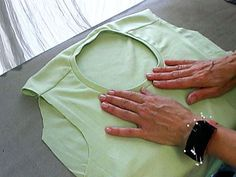 A Neckline Binding for Knits - Free Sewing Tutorial from Threads - sew-whats-new.com (video)