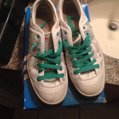 Reebok sneakers In pretty good condition worn a few times don't have original box 🅿️🅿️ is excepted and excepting offers also listed onⓂ️ercari for $25 Reebok Accessories