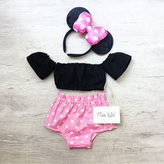Mommy & Me outfit 💕 by MissLylaBoutique Disfraz Minnie Mouse, Mickey Mouse Costume, Winter Outfits For Girls, Girl Outfits, Baby Girl Romper, Baby Dress, Disney World Outfits, Mouse Outfit, Mickey Birthday