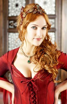 Meryem Uzerli mjm uzli born 12 August 1983 is a TurkishGerman actress and model who rose to prominence by playing Hrrem Sultan in the Turkish TV Beautiful Redhead, Most Beautiful, Beautiful Women, Turkish Fashion, Turkish Beauty, Red Headed League, Meryem Uzerli, Fire Hair, Poses