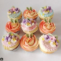 Beautiful Mothers Day Cupcakes by Goatley. Cupcake Icing Decorating, Birthday Cake Decorating, Piping Buttercream, Buttercream Flowers, Mothers Day Cupcakes, Mothers Day Cake, Mini Cakes, Cupcake Cakes, Cup Cakes