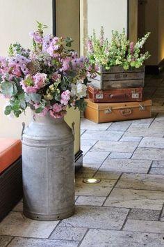 Lecheras para decorar bodas y otros eventos bonitos   Just Married Bcn