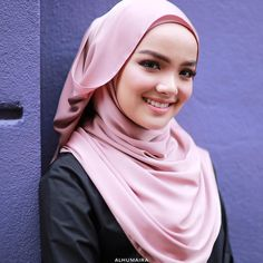 "425 Likes, 11 Comments - Malaysia's Best Hijab Brand (@alhumairacontemporary) on Instagram: ""Noele Premium Shawl ini sesuai juga untuk digayakan sebagai gaya casual mahupun formal. Yang…"""