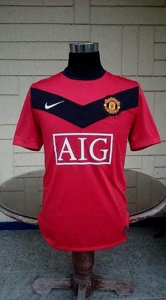 941eed213 CLASSIC FOOTBALL JERSEY CENTER. Football KitsFootball JerseysNike  ShirtManchester UnitedChampionMan UnitedSoccer ...